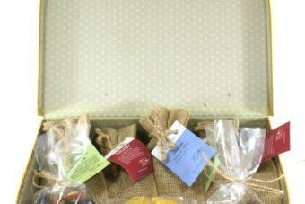 Подарок с чаем в сундучке