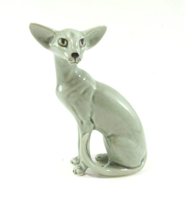 статуэтка-ориентальная-кошка-серая