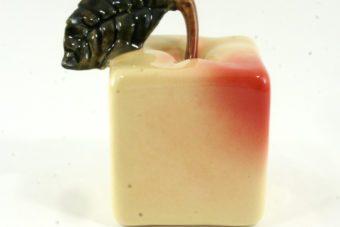 статуэтка-яблоко-квадратное