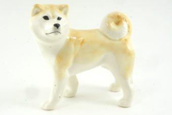 статуэтка-акита-ину