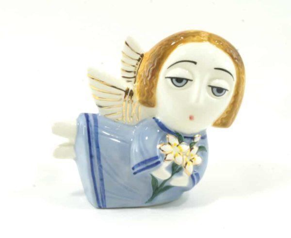 статуэтка-ангел-с-цветами